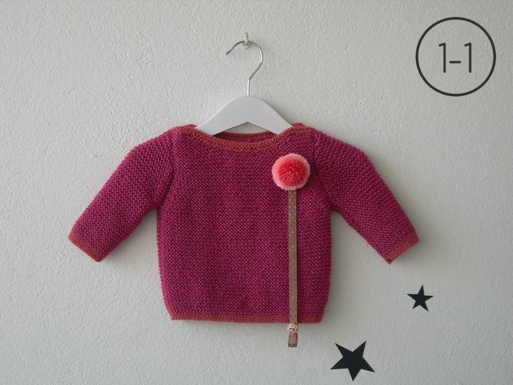 Jersey para bebe hecho a punto bobo en color malva con elástico, cuello y puños en color malva claro. Sistema de cuelga – chupete mediante corchete. http://www.libelulahandmade.com/