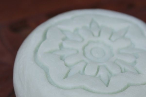 l'essence Natural Soap, like tea in a Marrakesh Tea House, our Moroccan Mint soap is welcoming and refreshing.