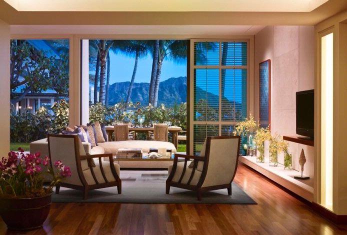 The quintessential Halekulani experience in the Orchid Suite at Halekulani.