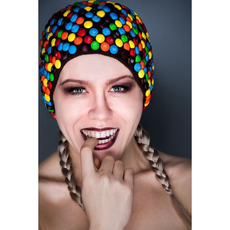 "David Bowie en Instagram: """"Anything is good and useful if it's made of chocolate."" - Jo Brand Model: @petite_ukrainian Makeup/Design: @hmuacrystaldawn Photography/Retouching: @bowiephotographyva #candy #makeup #candymakeup #fashion #fashionista #beauty #sweet #bowiephotography #colorful #style #model #face #headshot #photography #m&ms #chocolate"""