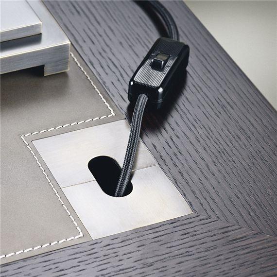 Plug detail