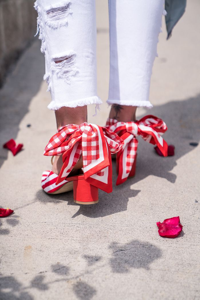 COURTNEY MULES IN RED AND WHITE worn by Late Afternoon on her blog. #motherofpearl