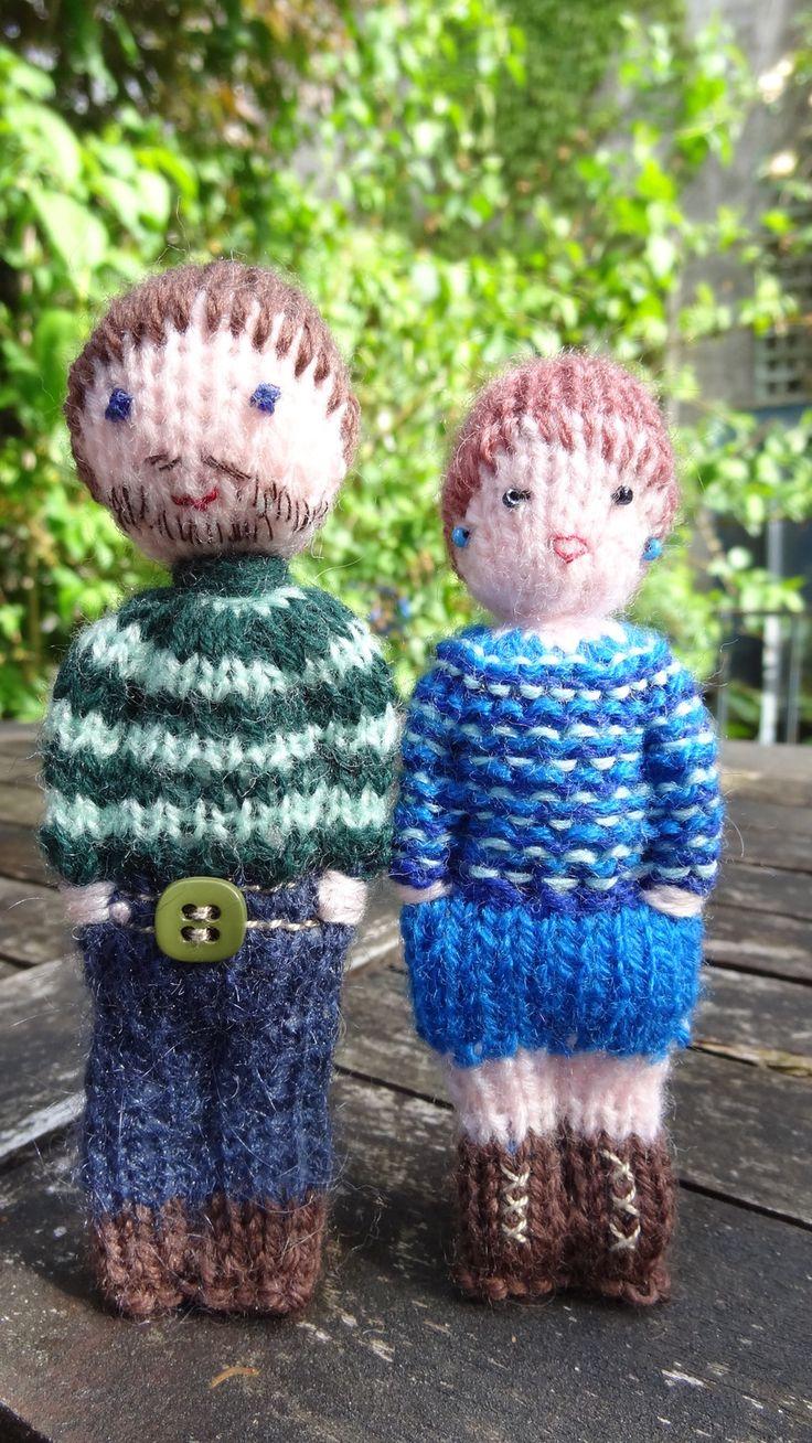 Mini poupées en laine, papa, maman, mamie et la maîtresse. : Jeux, jouets par la-fabrique-de-cadot