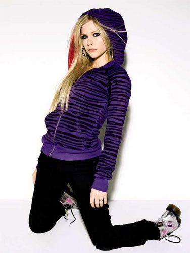 teen sweater | Avril Lavigne models for teen clothing