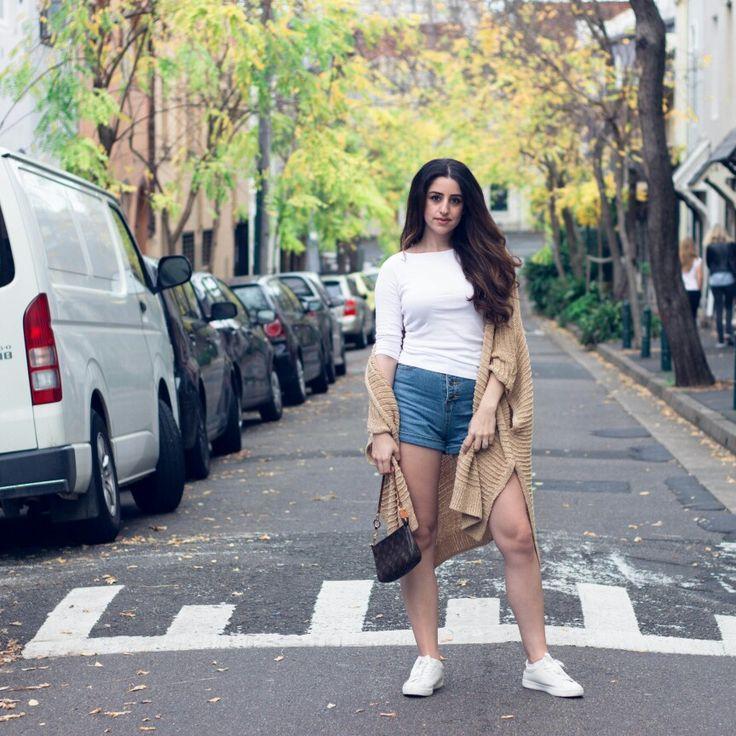 Summer casual style | Denim shorts & camel cardigan
