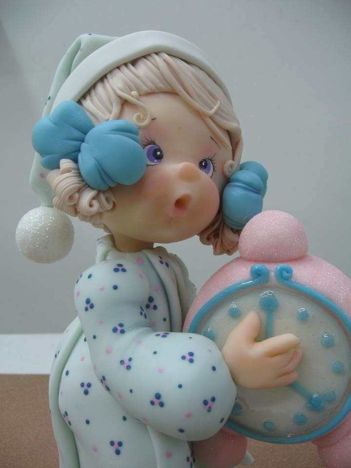 Baby with Clock - Polymer Clay, masa flexible, cold porcelain, masa francesa, porcelana fria, fondant cake topper