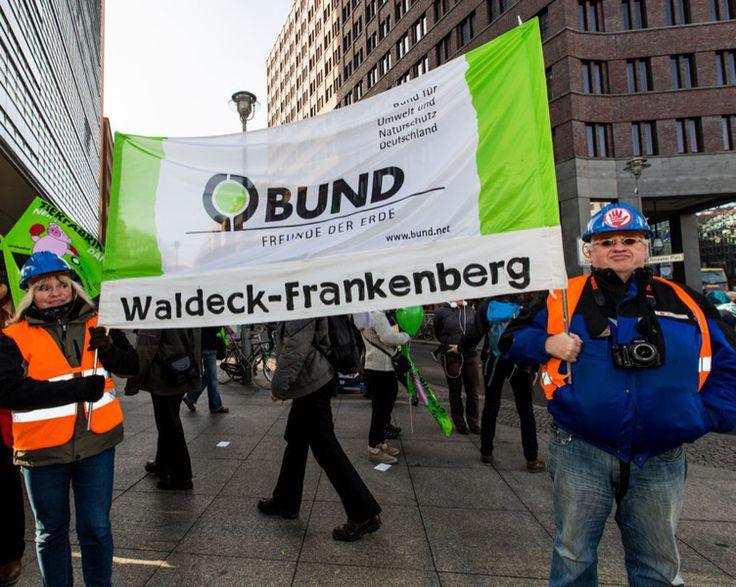 """""""Wir haben es satt!""""-Demo am 17. Januar 2015 in Berlin. Das Motto: Stoppt TTIP, Massentierhaltung und Gentechnik! - Bund für Umwelt und Naturschutz Deutschland (BUND)"""