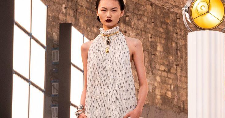 Modetrend: Dieses Kleid macht schlank und optisch größer