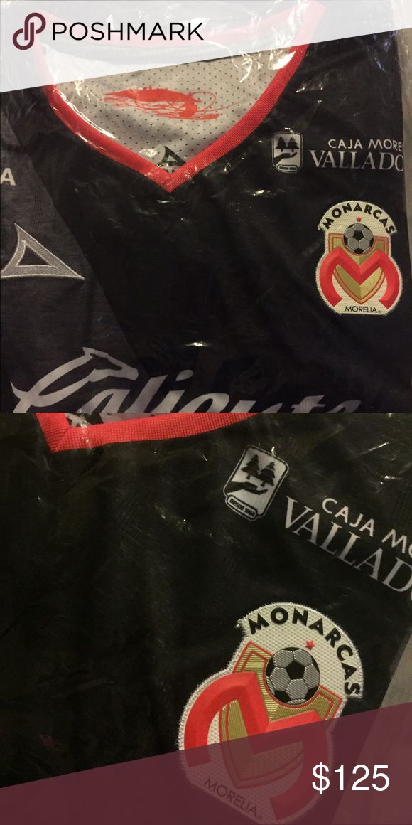 Soccer ⚽️ jersey Mexico 🇲🇽 Monarcas Morelia Soccer jersey (2016/17 away ) new ! original imported form Monarcas stadium. Other