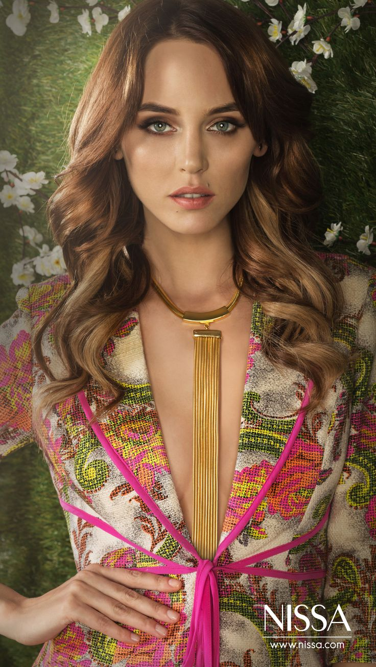 NISSA Spring/Summer 2015 Secret Garden Campaign  #nissa #ss2015 #secret #garden #spring #fashion #pictorial #look #floral #blazer #fashionista #womans #inspiration #model #beautiful #girl #woman #pretty #chic #style #stylish