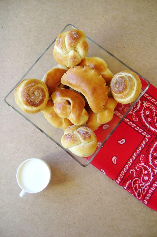 Молоко, розы, булочки и ягоды - лучший способ отметить возвращение кого бы то ни было домой.  — Туве Янссон «Всё о муми-троллях»