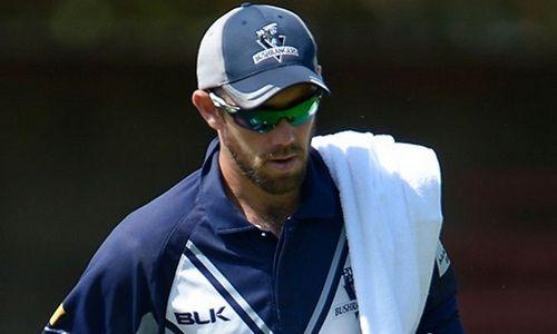 WATCH: Glenn Maxwell's Stunning Boundary Catch Assist - http://www.tsmplug.com/cricket/watch-glen-maxwells-stunning-boundary-catch-assist/