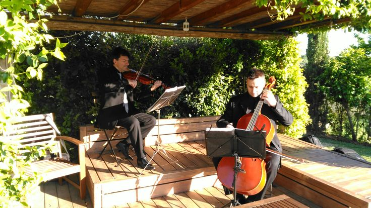 String duo at the cocktail hour at Tuscan country venue #classicalmusic #weddingmusic
