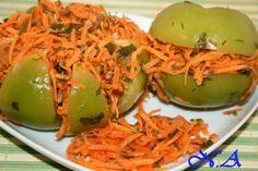 Зеленые маринованные помидоры с зеленью, острые