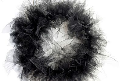 Little Birdie Secrets: halloween tulle wreath {tutorial} - this one includes suggest lengths to cut the tulle