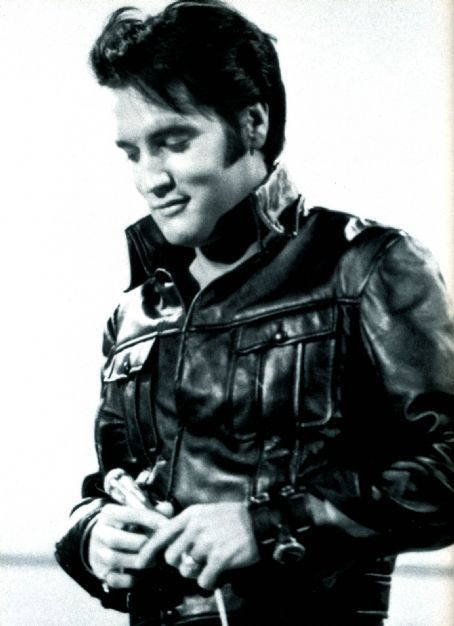"""NBC-TV Special, 1968. Elvis was unsure how He would be received. Alot had changed in the music industry since He last performed """"live"""" on stage."""