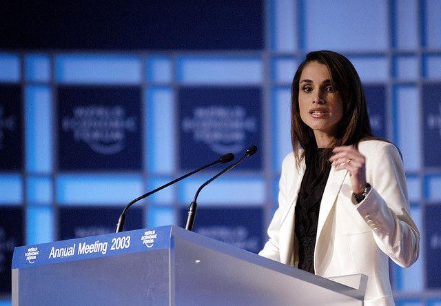 Rānia al-'Abd Allāh. Regina di Giordania, si batte per migliorare la condizione delle donne nei paesi islamici.
