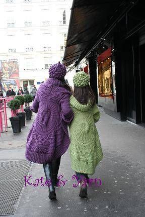 親子で着るペアのラウンドジャケット。フランスのクリスマスを楽しみたくて先週からパリに来ています。美味しいお店も今の時期ならクリスマスの飾りつけ。今回のテーマは『ママとお揃い』マドレーヌ寺院の前に立って「さあ!これからどこに繰り出す?」二人で相談しながらノエルのパリの街へとお散歩です。励みになりますのでクリックお願いします!人気blogランキングへブログランキングブログ村あかちゃんのお祝いと成長の記録―ベビーアルバムポプラ社このアイテムの詳細を見る編み物教室Kate&Yarn