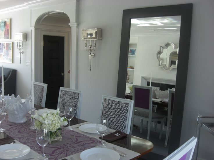 Grey Dining Room With Mauve Runner