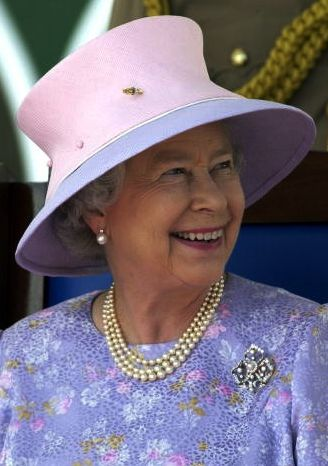 Queen Elizabeth, Feb 20, 2002 in Frederick Fox | The Royal Hats Blog