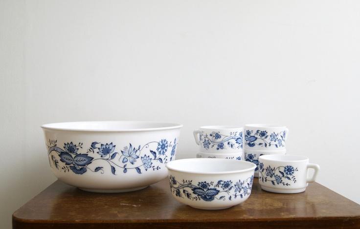 Image of Vintage : lot de vaisselle Arcopal bleue