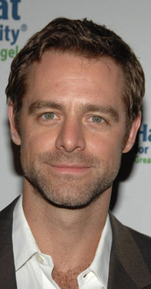 David Sutcliffe: Best known for playing Christopher Hayden, Rory Gilmore's father and Lorelai Gilmore's on-and-off boyfriend, on the CW show Gilmore Girls. He played the lead role in Cracked as Detective Aidan Black.