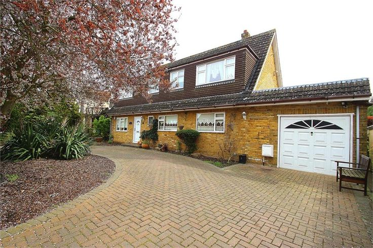 Ouseley Road, Wraysbury Offers in the region of £650,000 Freehold  Superbly presented five double #bedroom detached house situated on quiet road in the charming village of #Wraysbury deceptively spacious 4 receptions incl 17ft lounge 22ft games room 20ft kitchen/breakfast room parking for 5 cars