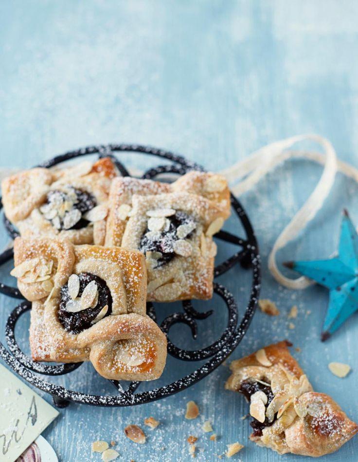 Pienet joulutortut // Christmas pastries Food & Style Elina Jyväs Photo Riikka Kantinkoski Maku 8/2014, www.maku.fi