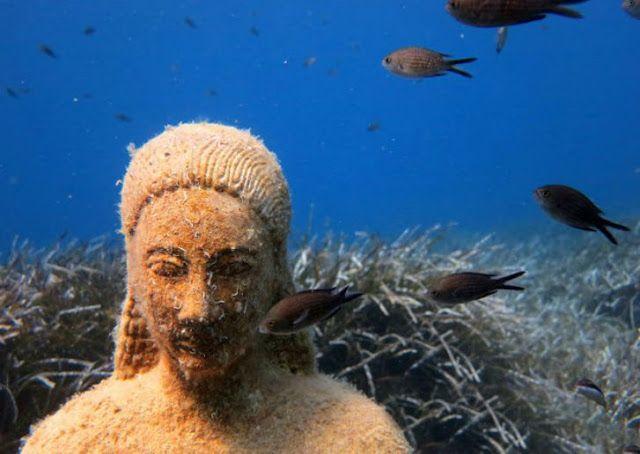 WHBC-GR: Σάμος | Φανταστικές εικόνες από τον Κούρο που βρίσκεται στο βυθό της θάλασσας στο Κοκκάρι (pics+video)