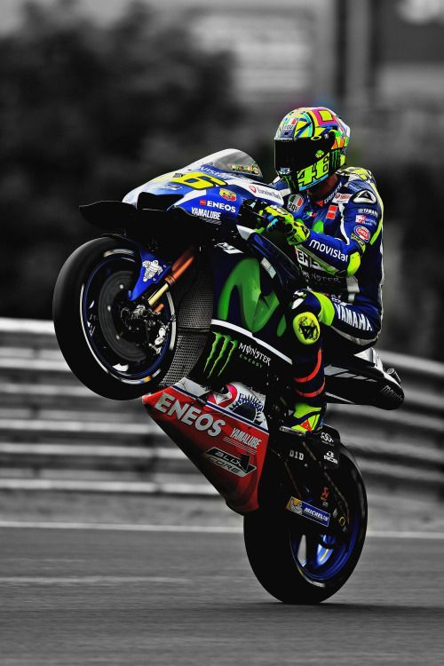 Valentino Rossi (Photo l Michelin) – #Bellebikeuse #Deuxroues #Michelin #Motopou…