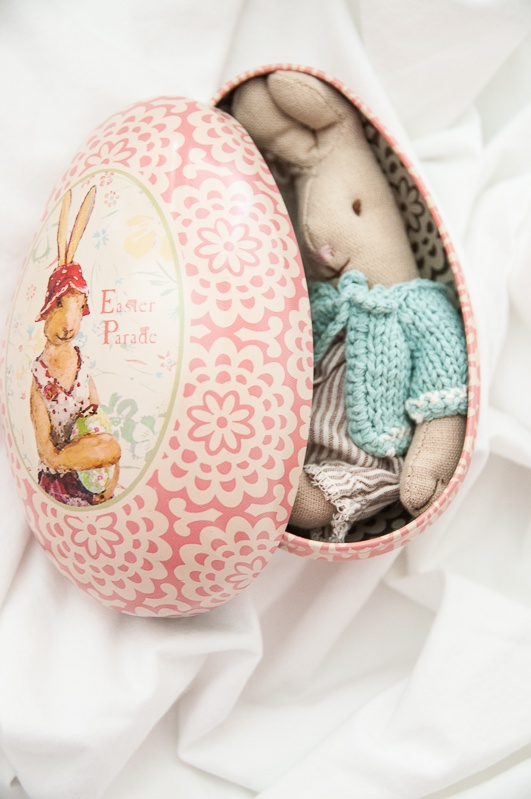 Maileg Micro Rabbit and Decoratie Egg....cute idea for an Easter egg hunt
