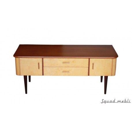 Piękna komoda z lat 60-tych, najprawdopodobniej produkcji niemieckiej. Mebel odnowiony ale zachowany w oryginalnej kolorystyce. #vintage #furniture #sideboard #komoda #meble #60s