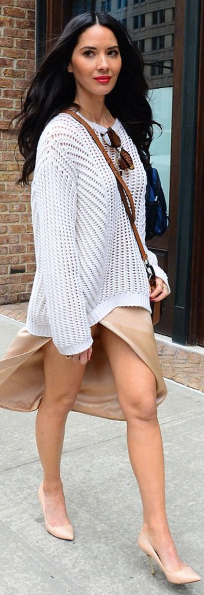 Olivia Munn: Sweater – Iris von Arnim  Shoes – Kurt Geiger  Purse – Michael Kors