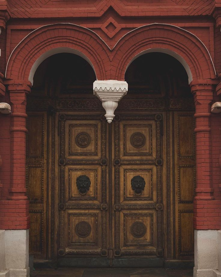 Old doors, doors of Moscow, double doors, art, visual art, photography, street photography, urban photography