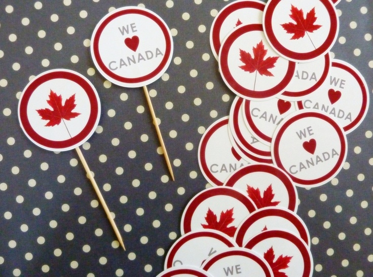 {canada day garland & cupcake toppers}