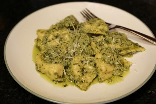 How to Cook Ravioli in the Oven with pesto sauce