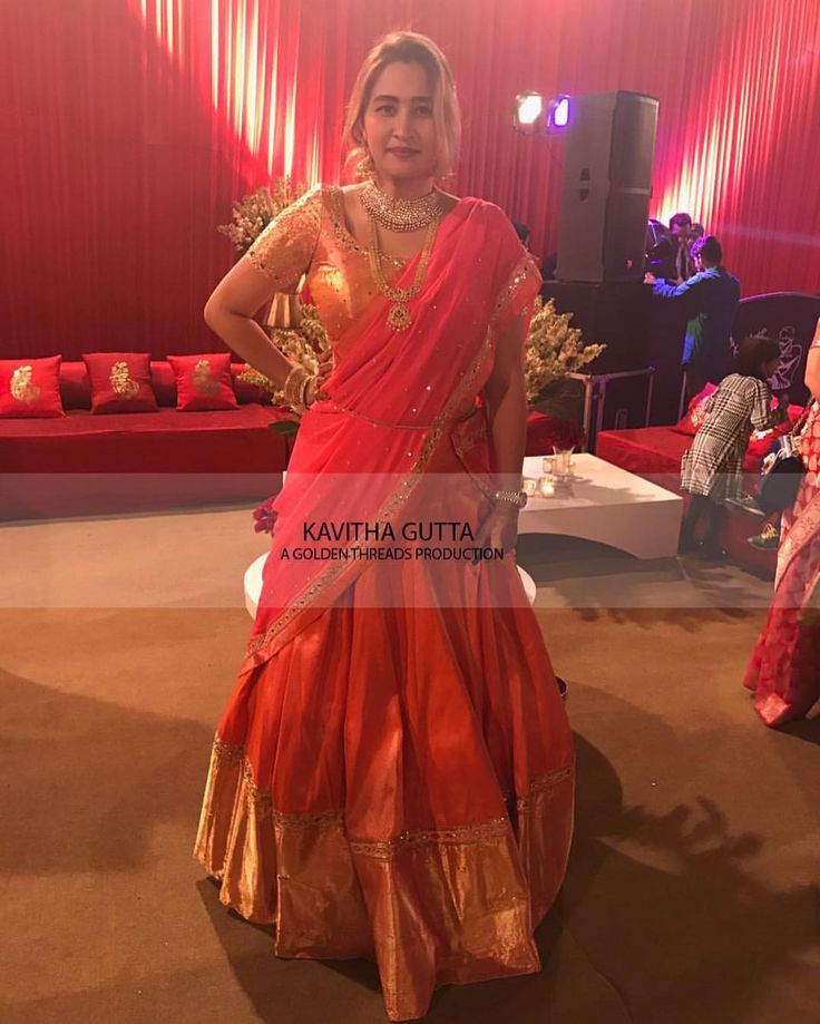 Our lovely jwala gutta here is seen adorning a  kavithagutta  pattulehenga. Pretty much