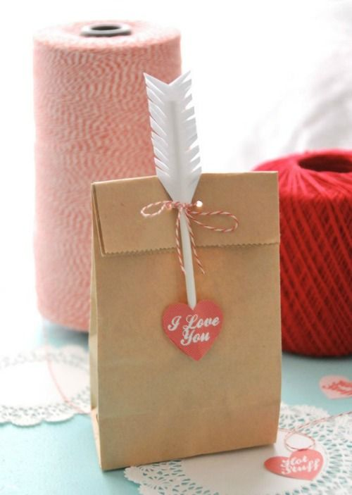 arrow & heart paper bag- without heart for Brave party favors