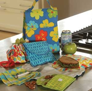 fabric lunch bags. Never have enough of these.Sewing, Indygo Junction, Snacks Bags, Lunches Bunch, Lunches Bags, Sandwiches Bags, Lunchbag, Fabrics Lunches, Indygojunction