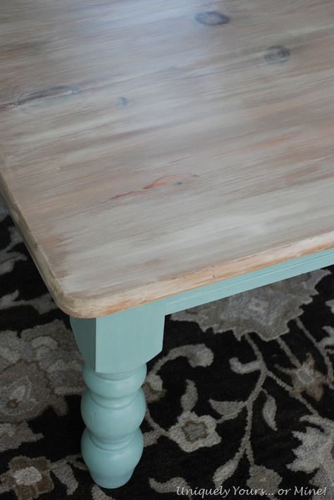 Beachy Coffee Table.  It's hard to believe I gave away a table just like this for free.  Ugh!