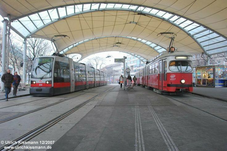 690 + 4537 Wien U.-Loritz-Platz 30.12.2007 - Lohner E1 (Lohner) /Duewag GT 40-105 [2-2/2-2] (1967-1976) - SGP ULF B