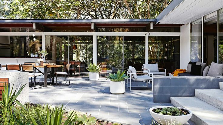 9 awesome outdoor entertaining zones. Styling by Kara Rosenlund. Photography by Alicia Taylor.