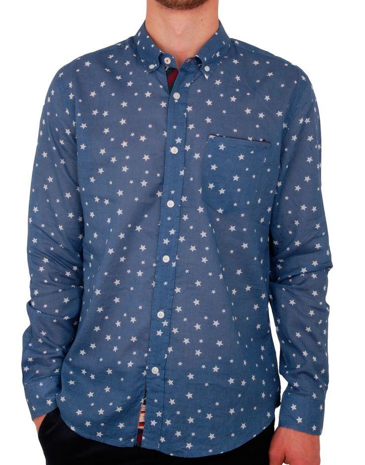Chemise bleue imprimé étoiles Golpo http://www.letagehomme.com/chemise-bleue-imprime-etoiles-golpo.html
