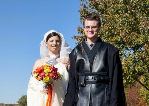 Starwars wedding: Star Wars Wedding, Steph Wedding, Starwars Wedding, Wars Theme, Fake Flowers, Wedding Bells, Geek Weddings, Geeky Wedding, Origami Flowers