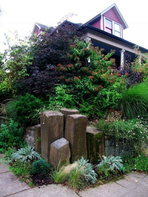Idea for corner of yard. | Corner landscaping, Corner ...