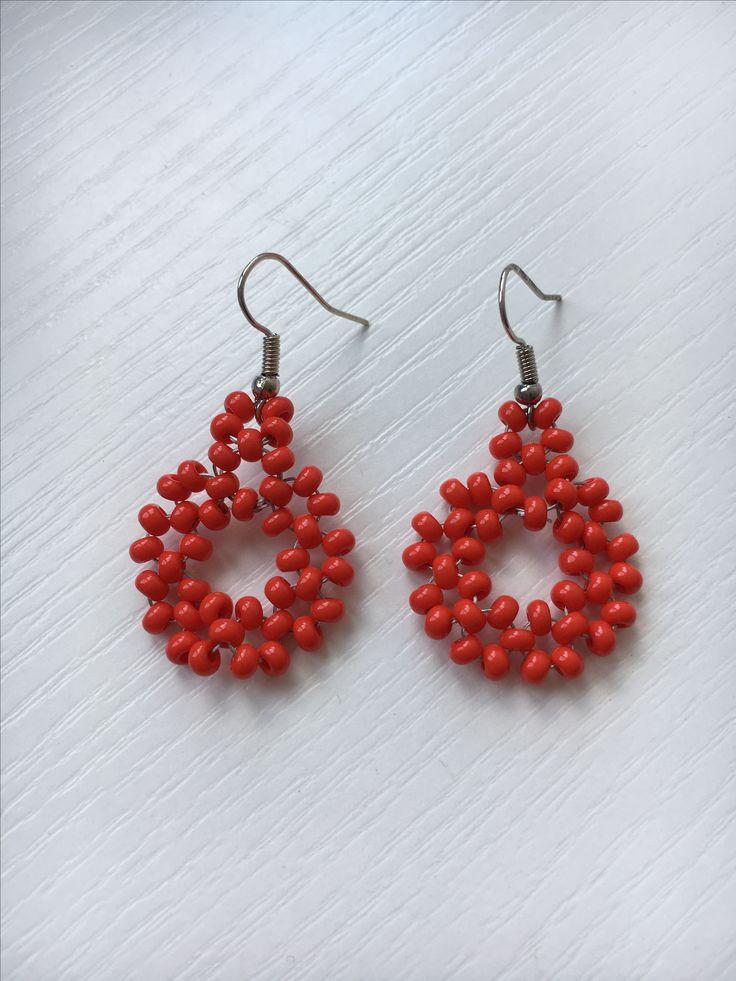 Rode oorbellen diy