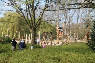 Speeltuin Weerstandlaan Deurne - heel tof, zowel voor kleine als iets grotere kids