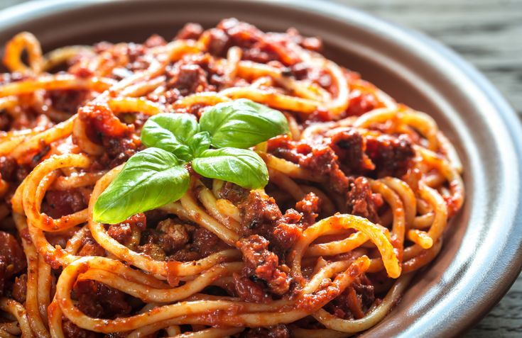 Makaronia me Kima recipe (Greek style spaghetti in meat sauce/bolognese)