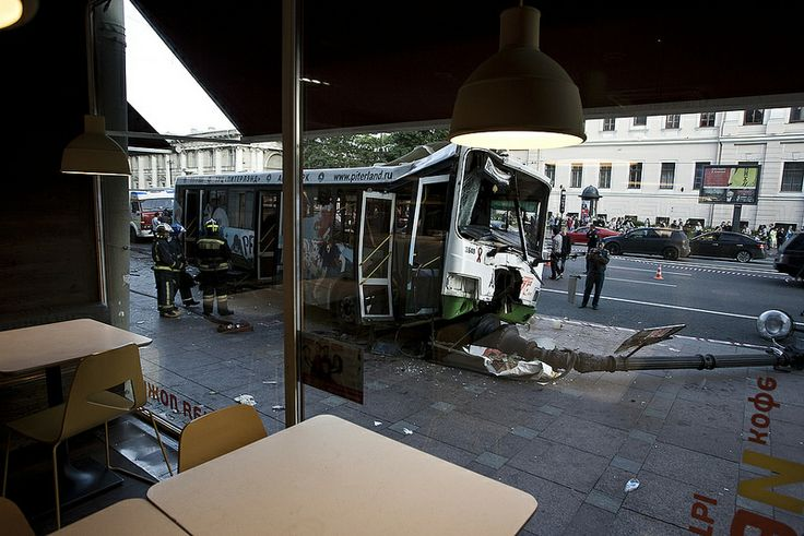 Bus accident in the center of the St Petersburg