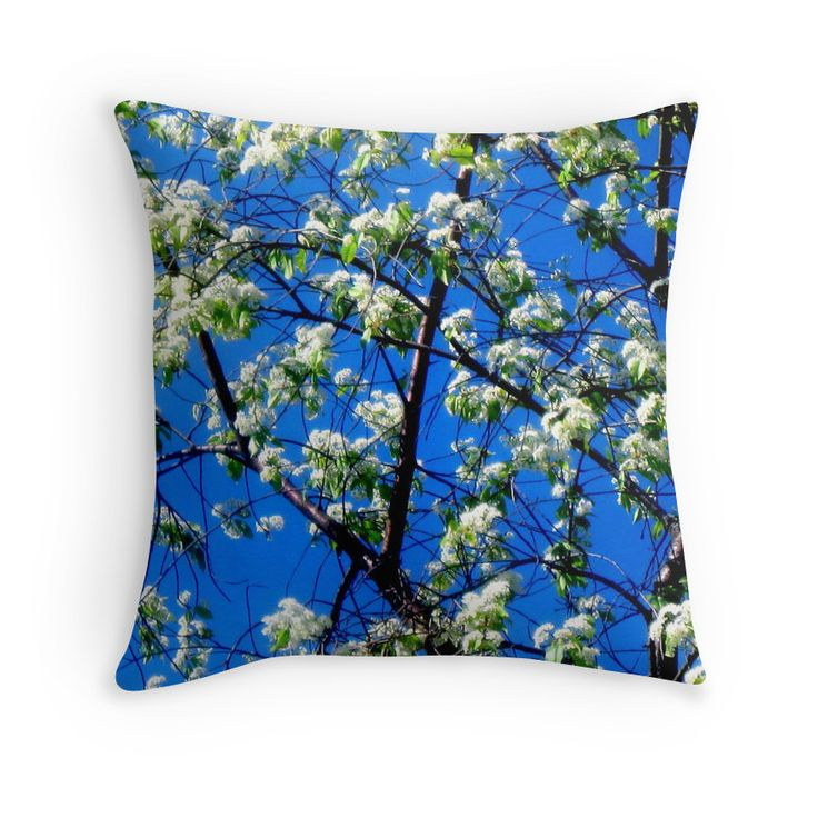 Snow Flowers Throw pillow